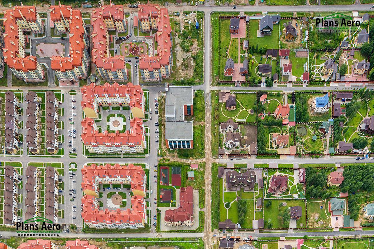 Аэрофотосъемка малоэтажного жилого комплекса «Рай в Шалаше»