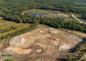 Панорама с воздуха: Гольф клуб и поселок Strawberry Fields Golf Club. Аэрофотосъемка